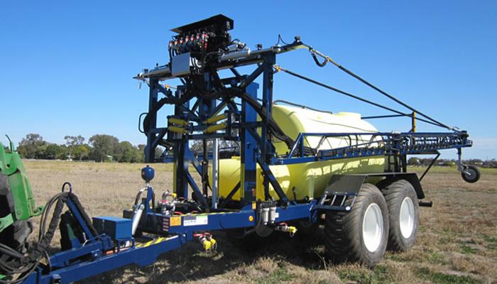 Hayes Spraying Trailing and Linkage Boomsprays, Spray